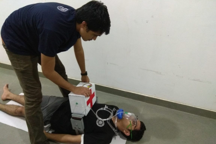 IIT Gandhinagar Students Develop Affordable, Portable CPR Device; To Cost Less Than Rs 10,000
