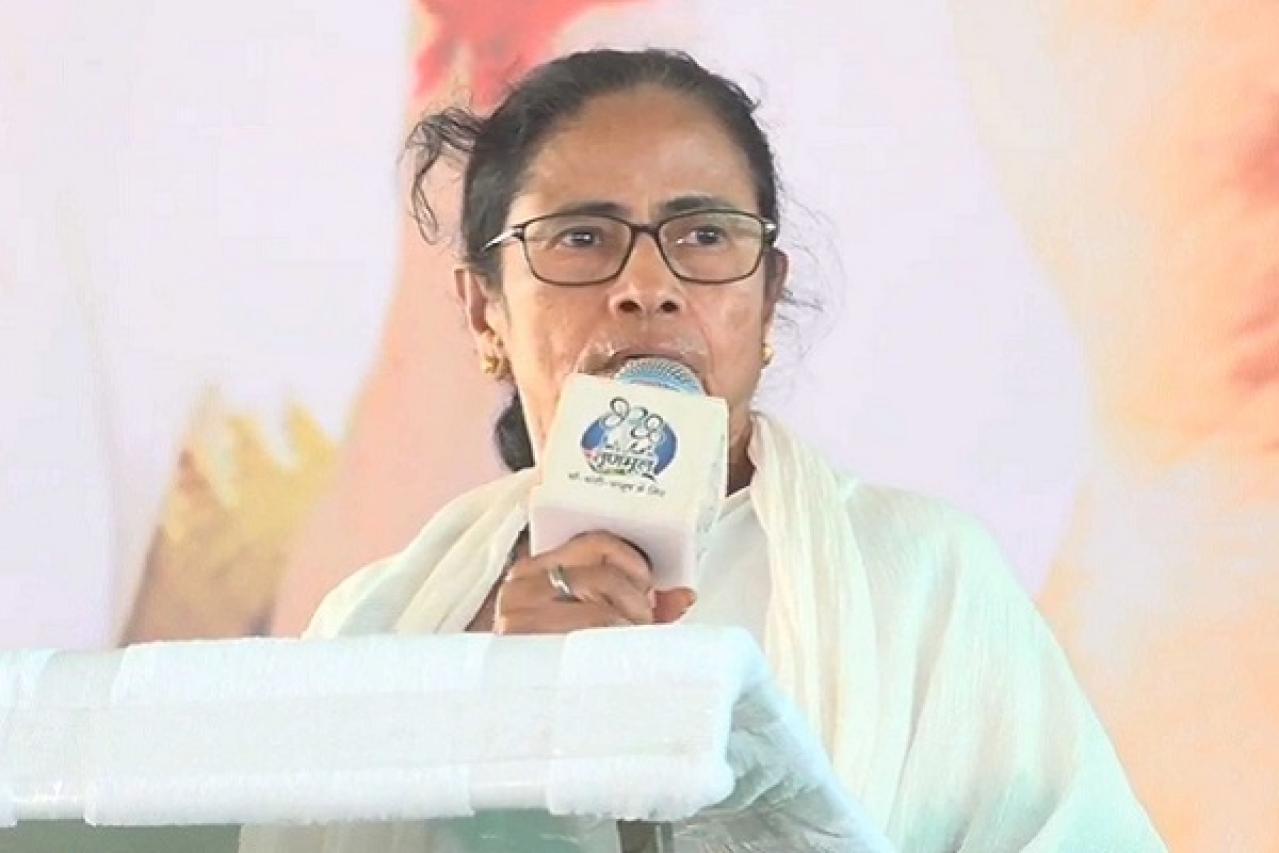 Mamata Suddenly Plans Rally Near PM Modi's Scheduled Public Meeting; SPG Raises Serious Security Concern