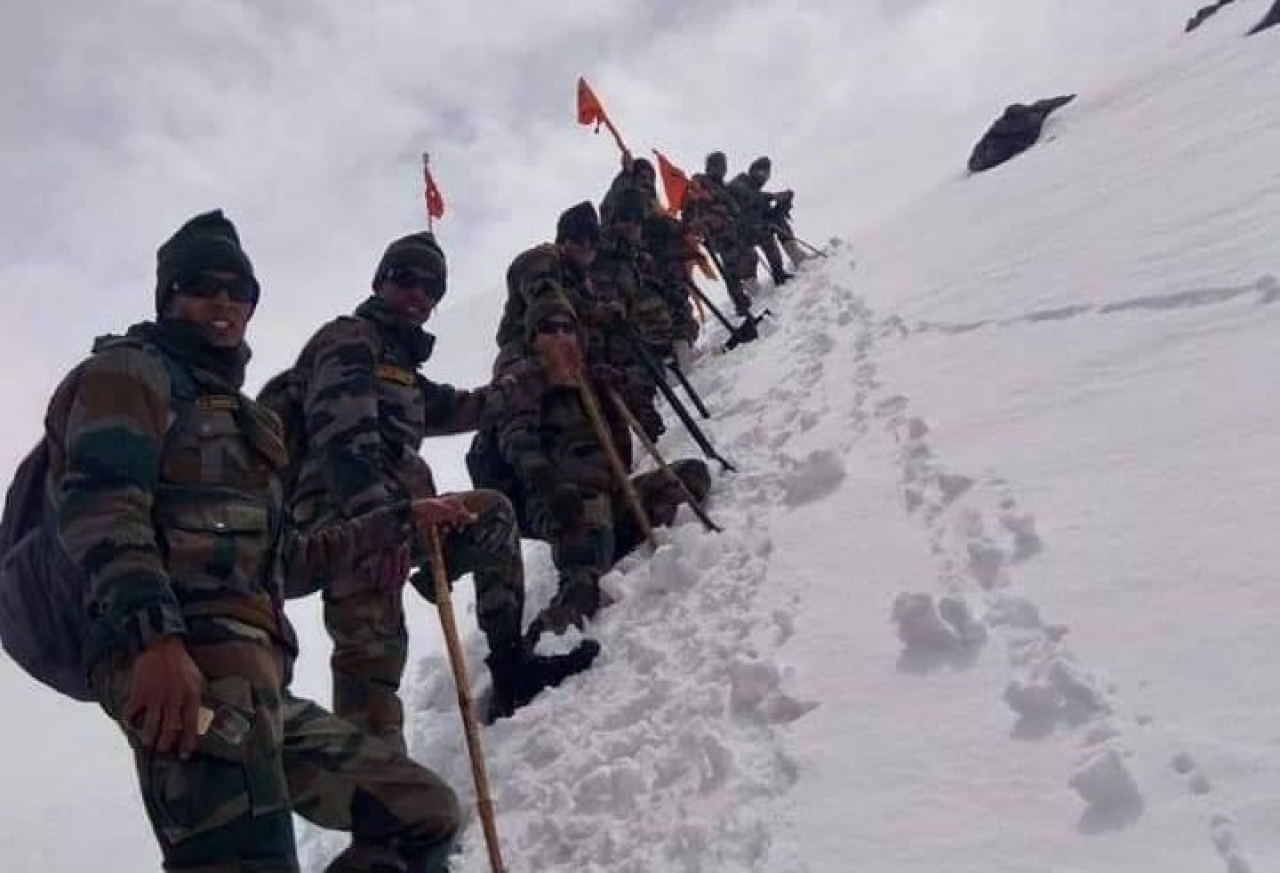 In Pictures: Indian Army Soldiers Brave Harsh Weather Clearing Snow For Gurdwara Hemkund Sahib In Chamoli Uttarakhand