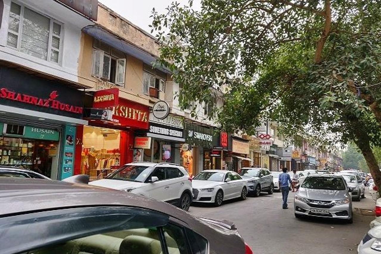 View of New Delhi's Khan Market (@sahajloi/Twitter)