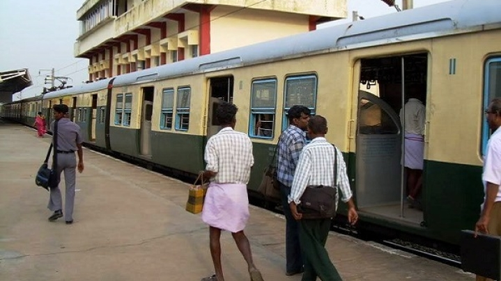 Chennai: Suburban Trains Lose 18 Lakh Commuters In April; Officials Believe  Loss Due To Migration To Metro