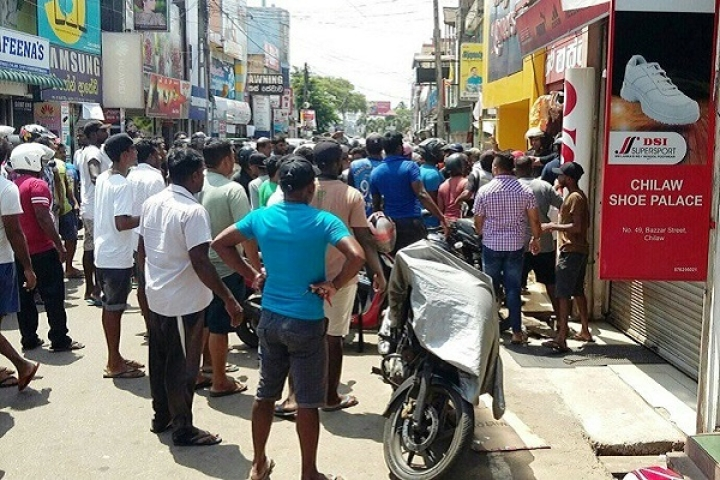 Sri Lanka Blocks Social Media Sites Like FB, WhatsApp, After Violent Clashes Between Sinhalese And Muslims