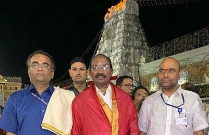 ISRO Chairman Honours Tradition: Visits Tirupati, Offers PSLV C-46 Replica To Lord Venkateswara Ahead Of Launch