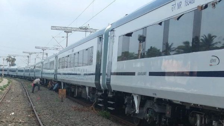 Indian Railways' Vande Bharat Express Notches Another Achievement; Breaks Speed Record, Wins Award