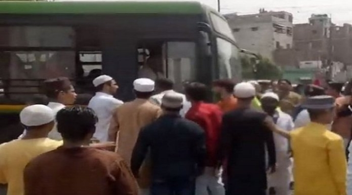 After Muslim Mob Goes On Rampage In Delhi, Police Yet To Take Action Against Rioters To 'Pacify The Situation'