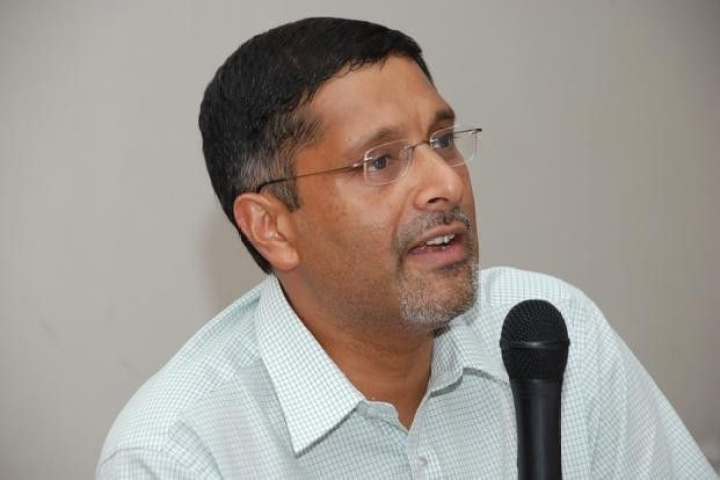 Gaslighting, Arvind Subramanian And Fallacies