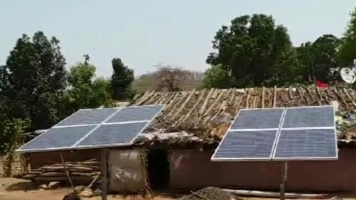 Thanks To An IIT Bombay Initiative, This Entire MP Village Now Cooks Food Using Solar Power