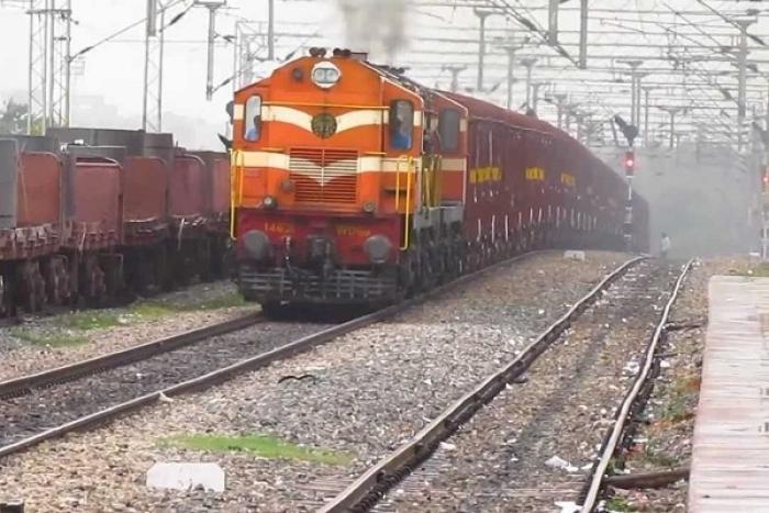Indian Railways To Cut Passenger, Freight Travel Time On Delhi-Howrah, Delhi-Mumbai Route Via Rs 14,000 Crore Investment