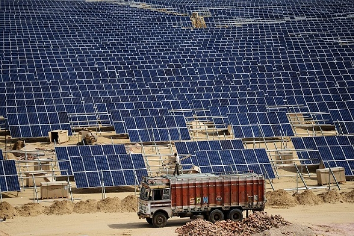 Yogi Government To Commission 1.5 Giga Watt Solar Projects By 2020; Aims For 10 GW In Renewables By 2022