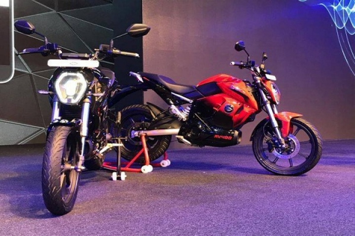 New Entrepreneurs Back Government Proposal To Electrify All Two-Wheelers By 2025; Veterans Term Deadline Unrealistic
