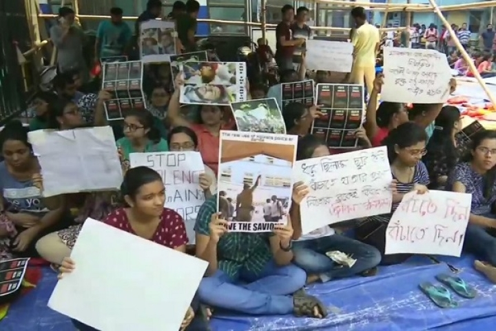 Doctors In Kolkata Go On Strike After Colleagues Attacked By Violent Mob Of Patient's Relatives