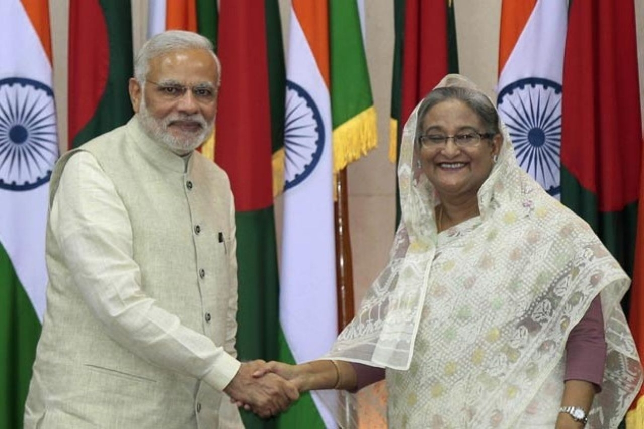 Prime Minister Narendra Modi with his Bangladesh counterpart Sheikh Hasina. (GettyImages)