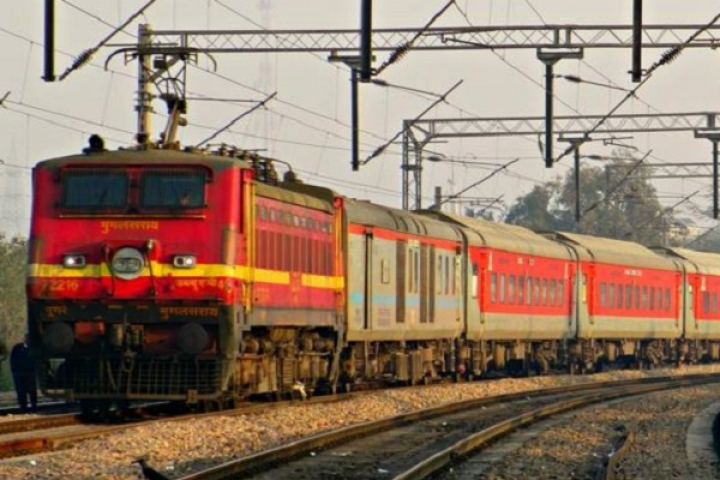 Indian Railways, Amazon Working On Pilot Project To Transport Goods On Sealdah, Mumbai Rajdhani Express