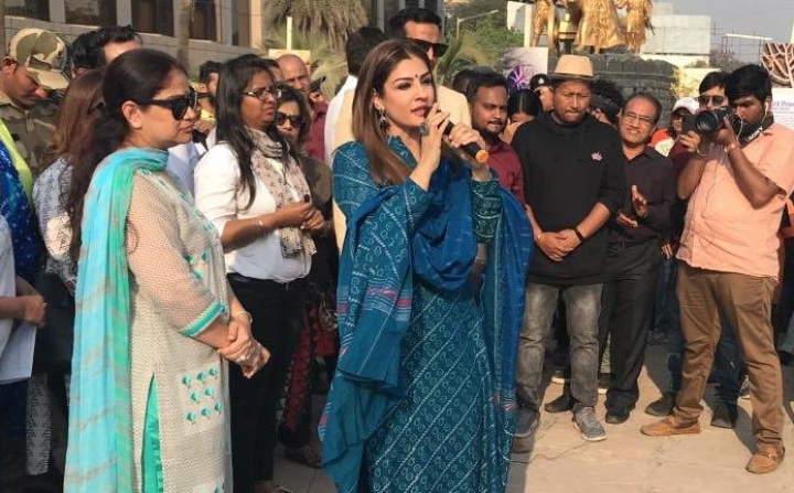"'Doesn't Matter If Two-Film-Olds Are Ungrateful To Industry': Raveena Tandon Calls Zaira Wasim's Views ""Regressive"""