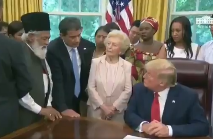 """""""I Can Call Myself Muslim In US, But Not In Pakistan"""": Ahmadiyya Muslim Shares Horrors Of Persecution With Trump"""
