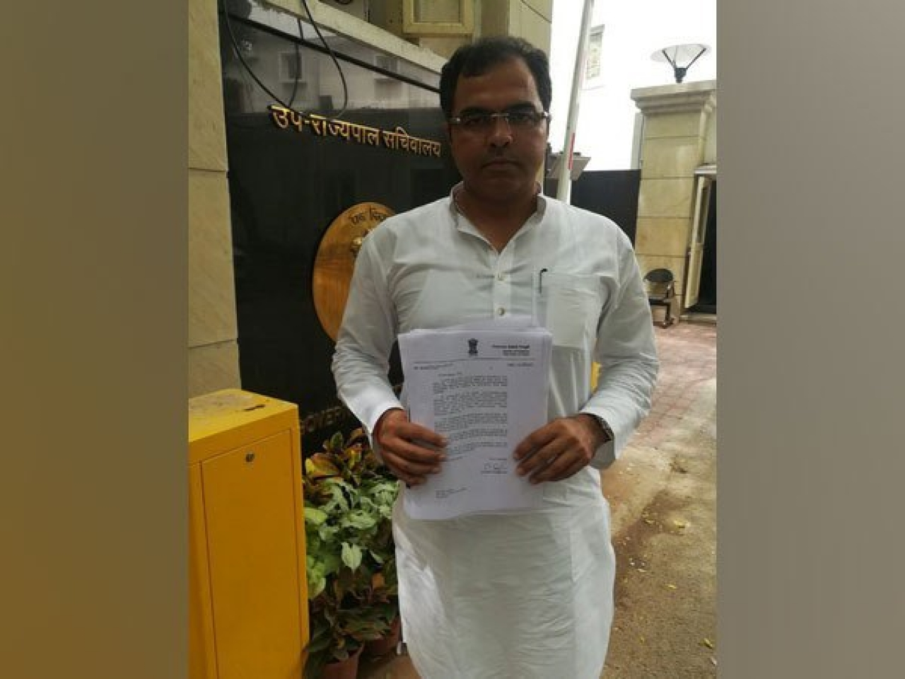 Delhi BJP MP Submits List Of Illegally Constructed Mosques On Public Land To Lieutenant Governor, Demands Action
