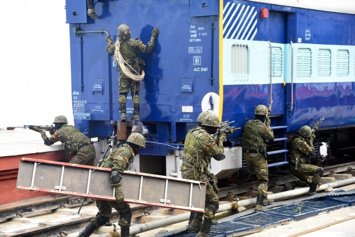 CORAS: Indian Railways Gets Its First Commando Unit, To Secure Routes In J&K,  Naxal-Affected Areas And North-East