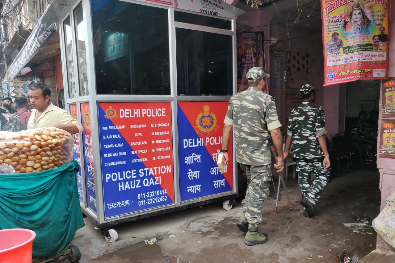 A new police booth outside Durga temple lane. (Swati Goel Sharma)