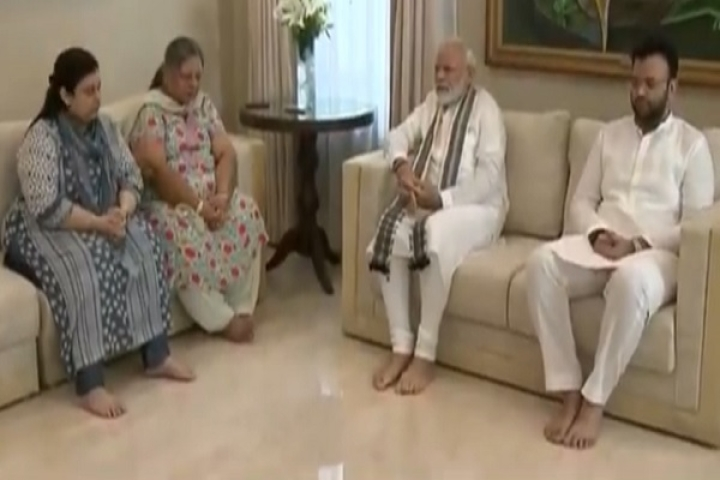 PM Modi Visits Family Members Of Former Finance Minister Arun Jaitley After Returning From G7 Summit