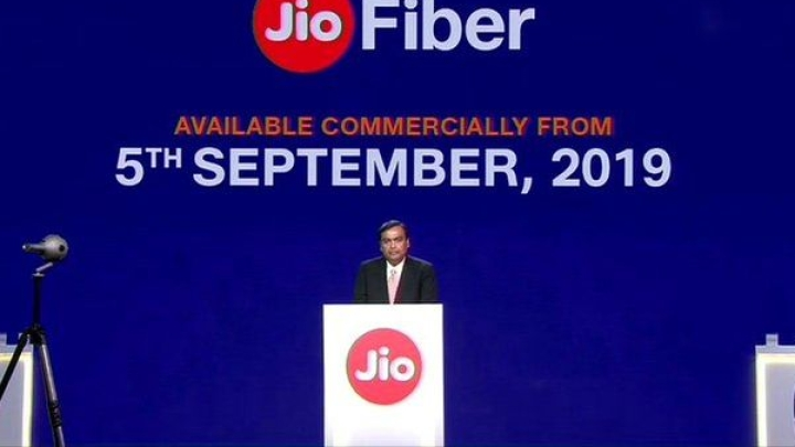 Reliance Jio GigaFiber Finally Arrives: To Hit Markets On 5 September, Service Bundled With Amazing Offers