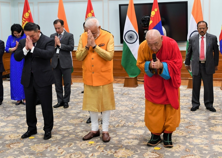 PM Modi And Mongolian President Unveil Statue Of Buddha In Ulaanbaatar's Gandan Tegchenling Monastery