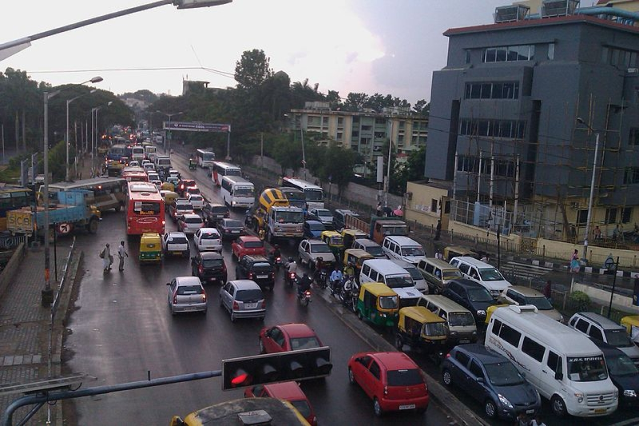 Silk Board Junction Traffic at Bengaluru (Source: Ashwin Kumar from Bangalore, India - Silk Board, CC BY-SA 2.0, https://commons.wikimedia.org/w/index.php?curid=52244360)