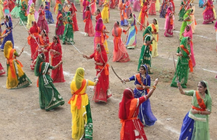 Bhawanis Of Bhuchar Mori: Setting A World Record In Talwaar Raas Has Ignited  Passion For Sword Fighting In Gujarat's Rajput Women