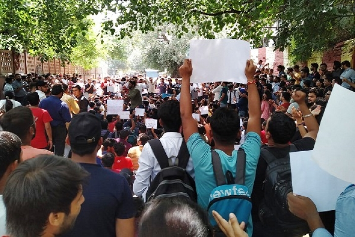 As Chartered Accountancy Students' Protest Against ICAI Takes Political Colour, Here's What The Issue Is