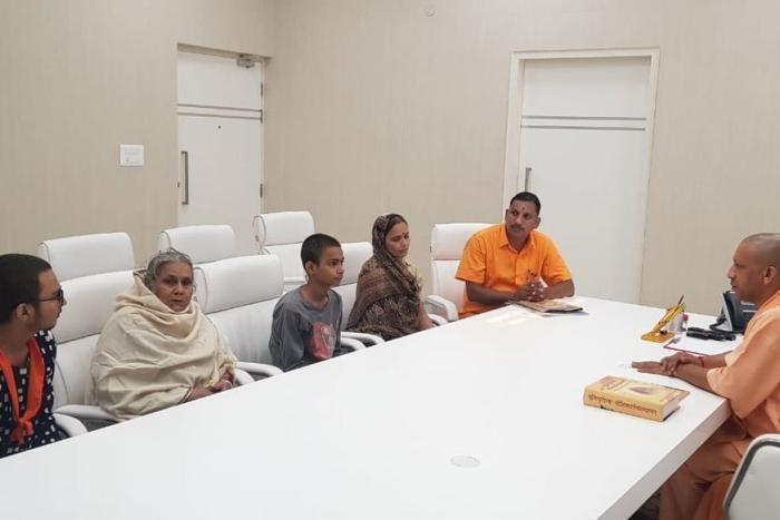 Kamlesh Tiwari Murder: UP CM Yogi Adityanath Announces Rs 15 Lakh Compensation, House For Family Of Slain Leader