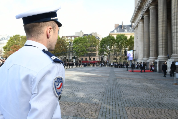 Islam Convert Kills 4 Colleagues In Stabbing Spree At Paris Police HQ; Terror Link Suspected