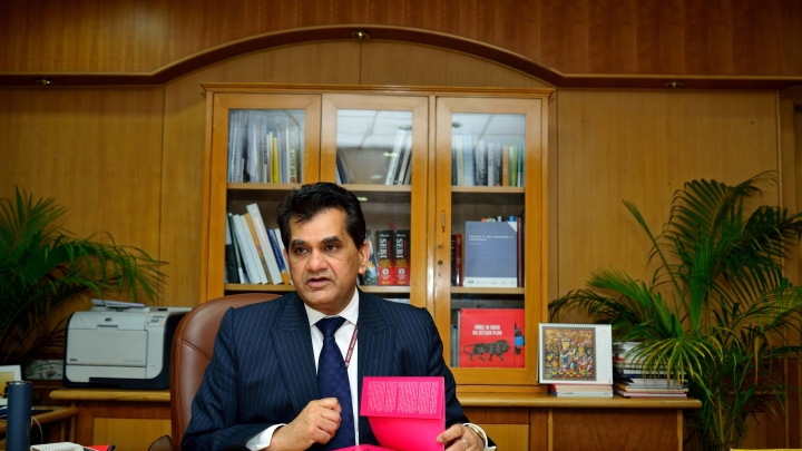 Watch: NITI Aayog CEO Amitabh Kant Posts Video Of Madurai Tourist Guide Enthralling Foreigners With Classical Dance Moves