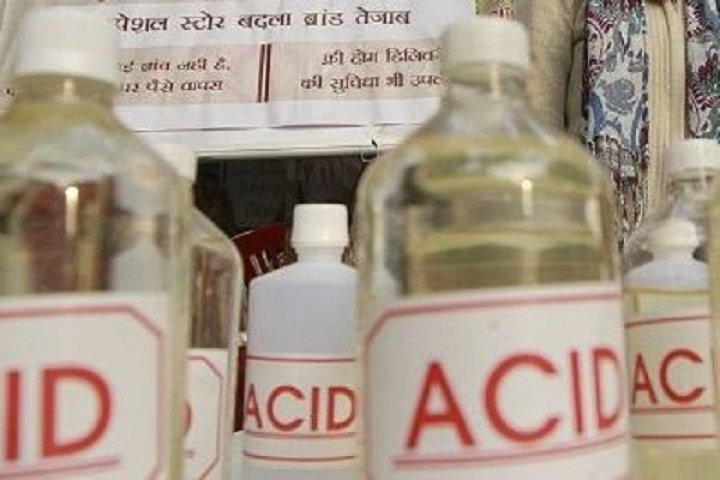 Aligarh: 19-Year-Old Girl Arrested For Throwing Acid On Boyfriend Who Refused To Marry Her