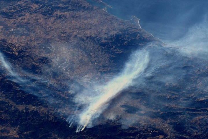 Wildfires In California Destroy Over 30,000 Hectares, Force Thousands Out Of Homes; Astronaut Shares Pictures From Space