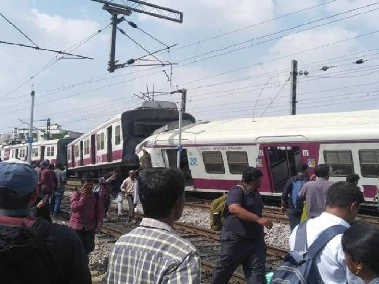 Hyderabad: At Least 10 Injured In Collision Between Hyderabad-Kurnool Hundry Express, Local Train At Kacheguda