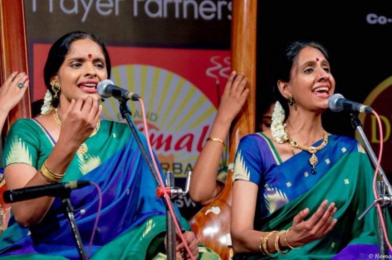 Ranjani and Gayathri sisters, also called 'RaGa'.