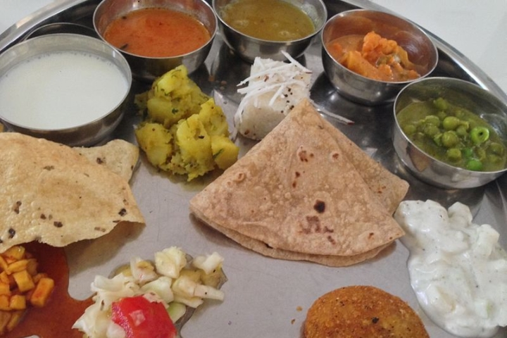 Economic Survey 2020 Brings Out 'Thalinomics' To Quantify What A Common Man Pays For Thali Across India