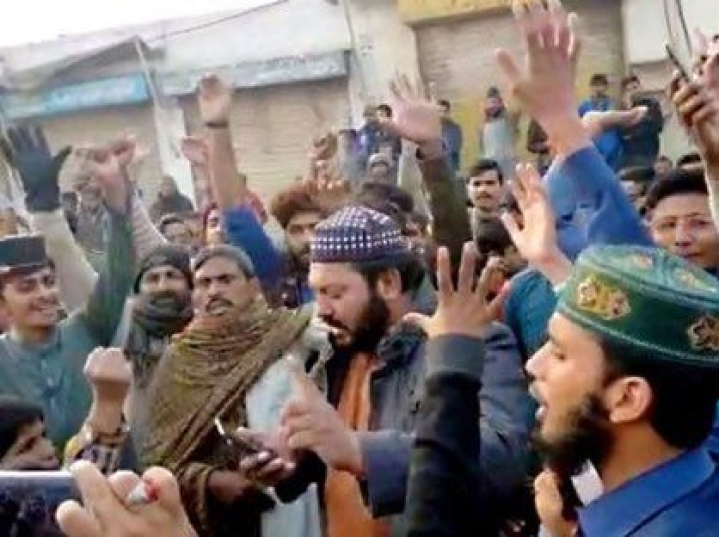 Attack On Pakistan's Nankana Sahib Gurudwara  By Muslim Mob Triggers Protests Among Sikhs In India