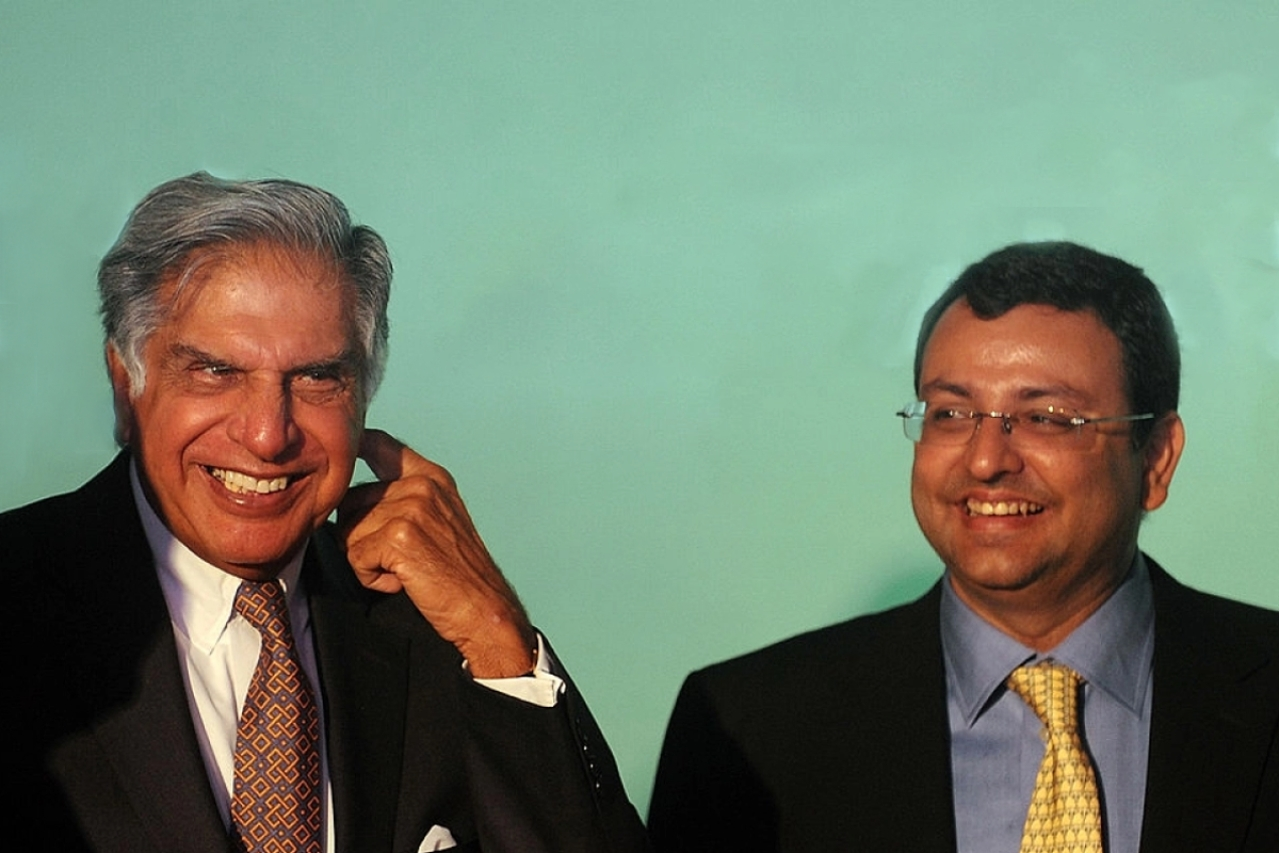 Ratan Tata (L) and Cyrus Mistry (PUNIT PARANJPE/AFP/Getty Images)