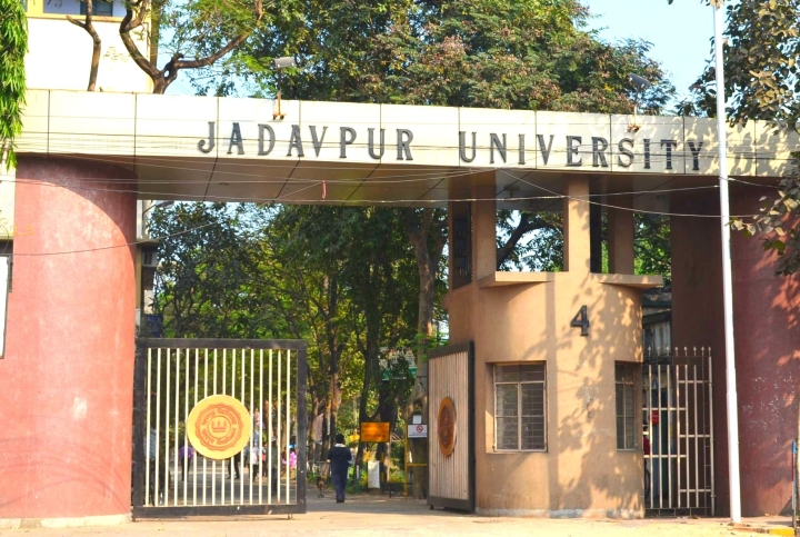 'Abused, Threatened, Ostracised': Jadavpur University Students Tell How The Left Punishes Them For Not Towing Its Line