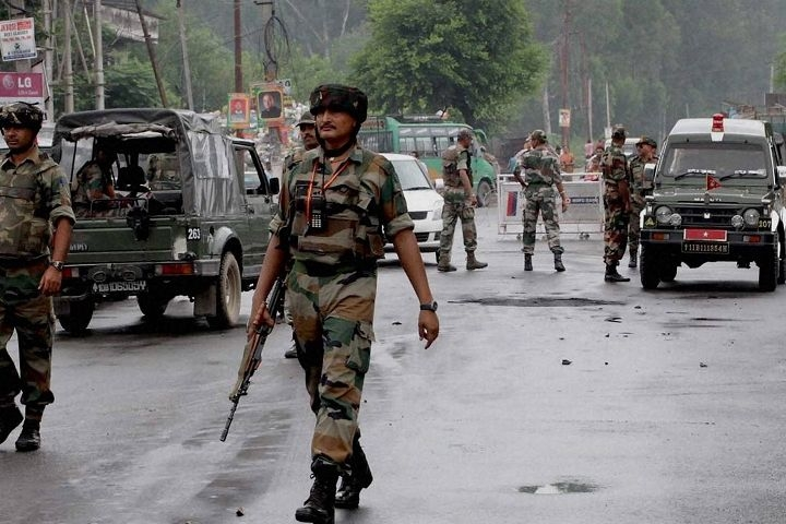 Militants Carry Out Grenade Attack Near Srinagar's Lal Chowk; Four Civilians, One CRPF Jawan Injured