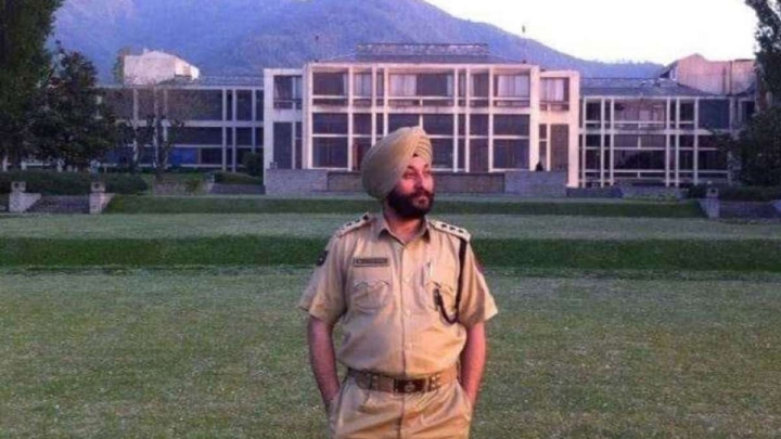Caught While Ferrying Terrorists, J&K Police Strips DSP Davinder Singh Of Coveted Sher-e-Kashmir Police Medal
