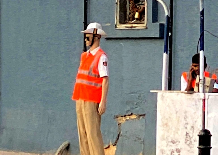 Now AI-Powered Mannequins Will Spot Traffic Offenders And Drunk Drivers, Fine Them On Bengaluru's Roads
