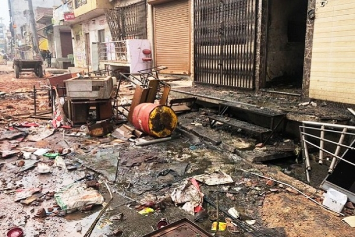 How A Huge Mob Attacked A Hindu Pocket In Brijpuri: Heavy Damage To School, Shops And Homes, Claims Journalist