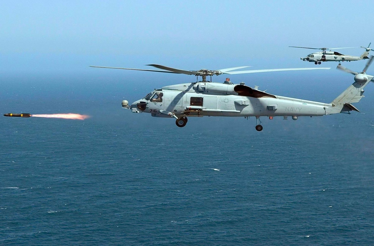 An MH-60R Seahawk of the US Navy firing a live Hellfire missile. (US Navy/Wikipedia)
