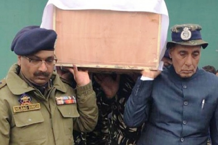 Poor Parents Of Pulwama Martyr Struggle  After Daughter-In-Law Takes All Ex-Gratia Money And Leaves Them