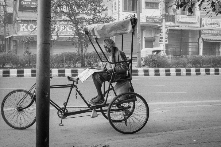 How Some Students Of IIT-Delhi Came Together To Help Rickshaw-Pullers On Campus, Who Are Hit By Lockdown