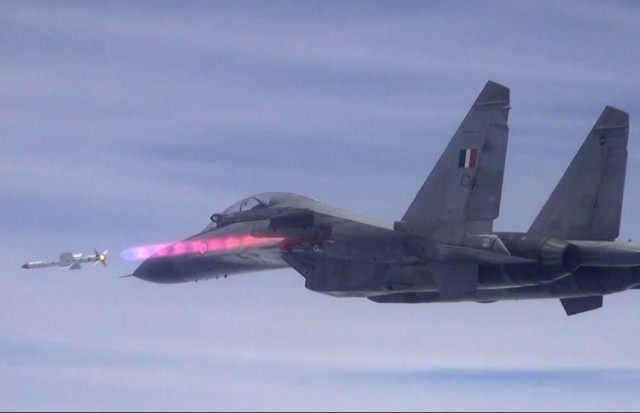 IAF To Get Indigenous Astra BVRAAM Missiles For Its Fighter Jets. Here Are  Five Things You