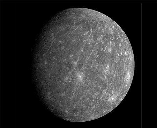 Messenger takes stunning pictures of Mercury