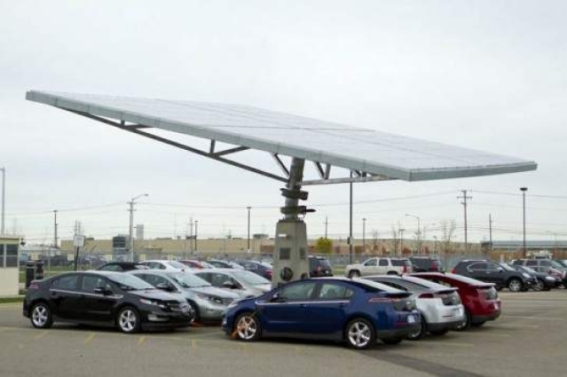 GM touts Tracking Solar Tree