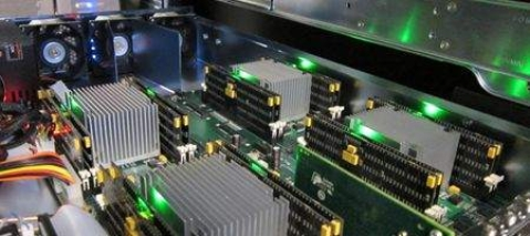 Phase-change memory device knocks SSDs off their perch